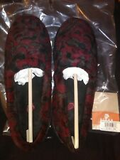 Acorn Woman Moc Slippers Burgundy Leaf Textures 6 1/2 -7 1/2 Moccasin #10115