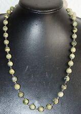 collier de perles en pierre naturelle verte marbrées fermoir et anneaux argent