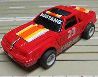 für H0 Slotcar Racing Modellbahn -- *Transformer* Ford Mustang mit Tyco Chassis