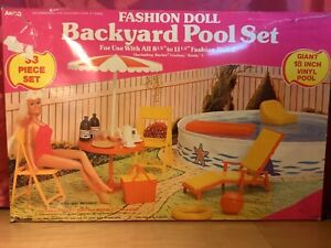 VINTAGE 1982 Arco Fashion Doll Backyard Pool Set For Use With Barbie