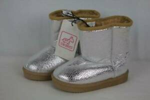 Toddler Girls Boots Size 9 Winter Shoes Fashion Silver Faux Fur Lined Slip On