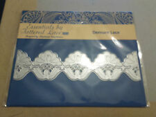 NEW RELEASE TATTERED LACE GATEFOLD DECORATIVE DETAIL DIE FOR SET 2- DEMURE LACE