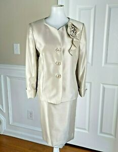 New LE SUIT Women 2PC Champagne Polyester Lined Collarless Skirt Suit Size 14P