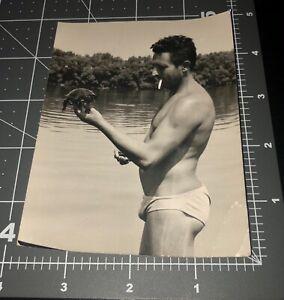 Speedo Man Beefcake Swimsuit Shirtless Bulge Turtle Vintage Gay Snapshot PHOTO