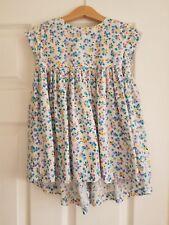 Girl's dress.