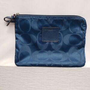 Authentic Coach F77321 Getaway Nylon Zipper Clutch Blue