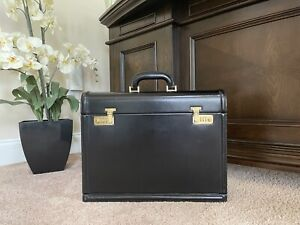 Authentic Vintage Gucci Black Leather Men's Professional Double Lock Briefcase