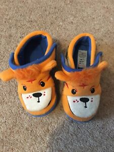 Tiger Slippers Size 8-9