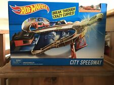Hot Wheels - City Speedway - RARE -  Includes Diecast Car - Play Set Playset