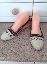 EYE CATCHING HOUSE OF HARLOW 1960 ESPADRILLES UK SIZE 5.5 NWOB