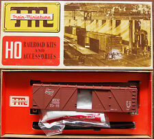 HO Train Miniature Milwaukee Road 40' Outside Braced Wood Box Car Kit