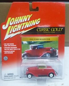 """JOHNNY LIGHTNING 1/64 """"CLASSIC GOLD"""" 1932 FORD ROADSTER RED"""