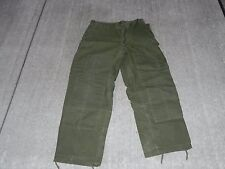 CANADIAN MILITARY MENS WINTER COMBAT PANTS MADE IN 1967 NEW  UNISUED RARE LG/SM