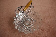 Glass cake stand with carry handle