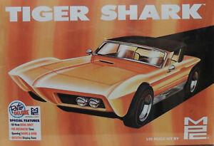 TIGER SHARK RETRO DELUXE SERIES CUSTOM CAR MPC 1:25 SCALE PLASTIC MODEL CAR KIT