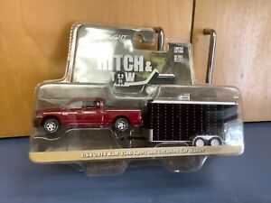1:64 GreenLight *HITCH & TOW 14 dodge Dodge Ram 1500 w/ Enclosed Trailer