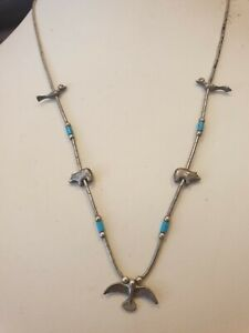A Beautiful Vintage 925 Sterling Silver Turquoise Gemstone Design Necklace