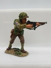 KING AND COUNTRY US ARMY D-DAY INFANTRY STANDING FIRING MACHINE GUN