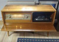 SABA MAINAU Musikschrank Stereo Röhren Radio (intakt) und Plattendreher (defekt)