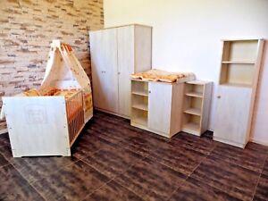 Babyzimmer komplett Set Babybett Gitterbett Schrank Kommode 5Farben Regale weiß