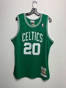 Men Mitchell & Ness NBA Authentic Jersey Throwback Boston Celtics Ray Allen (L)
