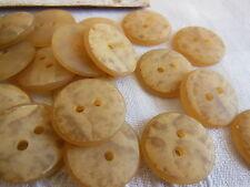 lot 12 boutons beige foncé  Coeur  satiné 2 trous diamètre: 1,9 cm Ref 2114