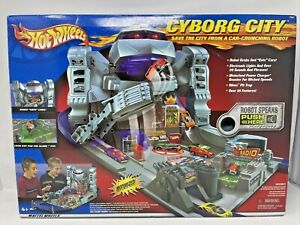 New Rare Hot Wheels Cyborg City Playset Motorized Power Charger Booster