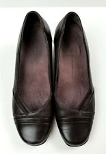 CLARKS Everyday Brown Leather Heels Shoes sz 6,5M #84977
