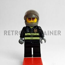 LEGO Minifigures - Fireman - cty003 - City Town Vintage Omino Minifig Set 7238