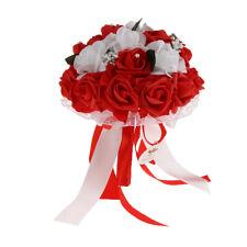 Main de bouquet de mariée mariage romantique rose tenant des fleurs