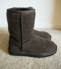 UGG Womens Brown Boots Size 5