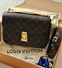 Louis Vuitton Pochette Metis Handbag Compact - Monogram Canvas