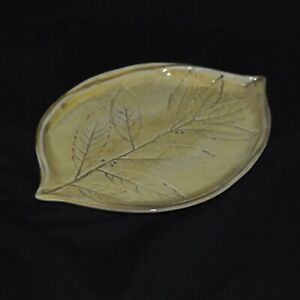 """Crate and Barrel Leaf Design Plate Serving Yellow Made in Italy 9"""""""
