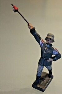 Soldier Old LINEOL Composition Flag Bearer Pennant 1930/40