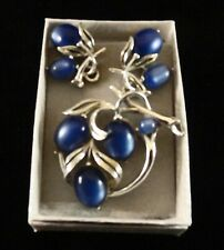 Signed Set: LISNER: Pin / Brooch: & Clip On Earrings in Gift Box