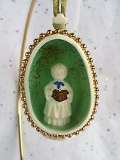 VINTAGE CHRISTMAS BONE CHINA CHOIR BOY DIORAMA TREE ORNAMENT VGC