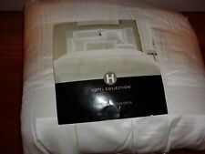 New Hotel Collecton Frame Ivory Full/Queen Comforter