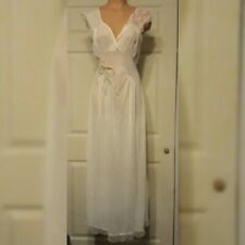 New listing Vintage Gorgeous Luxite by Holeproof 50s 60s Nightgown