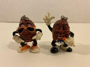 California Raisins PVC Figure Keychains lot of 2 Singer  & Sunglasses Raisin