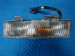 NOS OEM Chevrolet Beretta Parking Light Assembly 1987 - 96 Right Hand