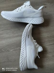 Nike Revolution 5 NEU 44