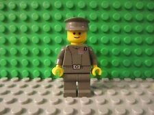 LEGO Star Wars Imperial Officer minifigure from set 7201 final duel II figure