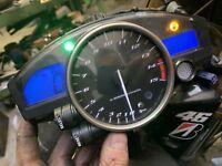 YAMAHA R1 5VY 2004 2005 2006 CLOCKS DASH CLUSTER SPEEDO SPEEDOMETER 35k