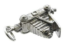 VINTAGE SILVER OPENING CAMERA CHARM