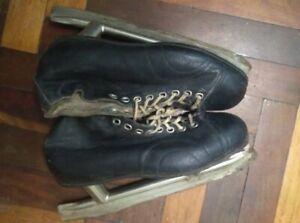 Ice skates size 43