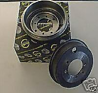Ford Focus Estate 98 deux Arrière Tambour De Frein Avec Ajusté Roulements Frein Chaussures