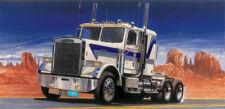 Italeri Model Kit #3859 1/24 Freightliner FLC