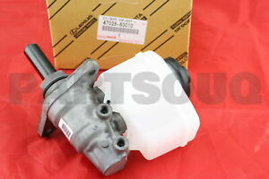 4702860010 Genuine Toyota CYLINDER SUB-ASSY, BRAKE MASTER W/PLATE 47028-60010