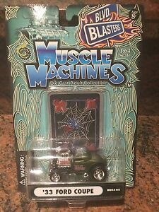 1:64 MUSCLE MACHINES BLOWN / SUPERCHARGED 33 Ford Coupe In Green