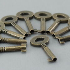 (Lot of 10) Vintage Style Open Barrel Keys Wedding Pendants Charms - New